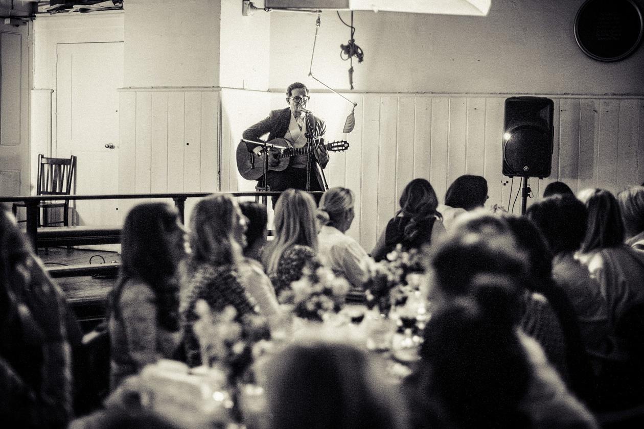 Earl Oakin performs at dinner