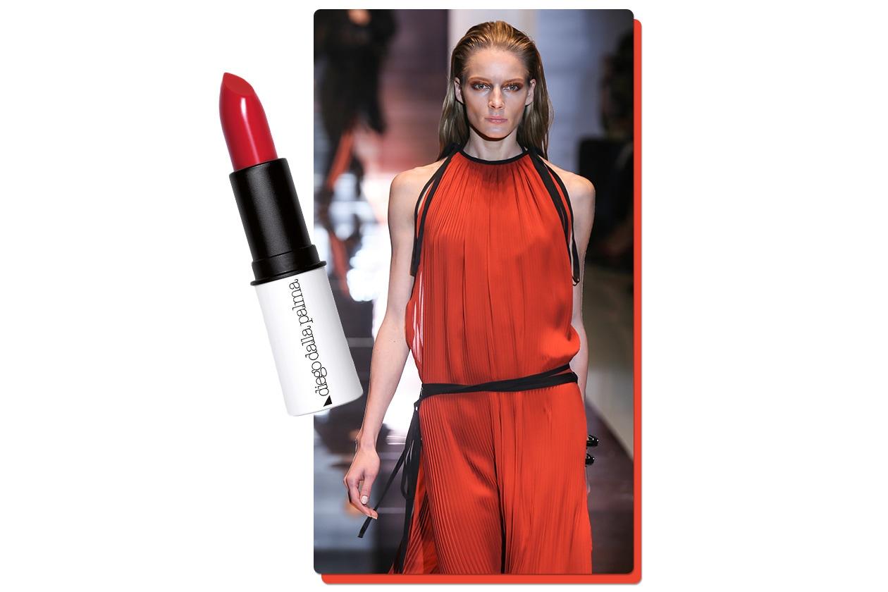 Il rosso è perfetto se abbinato a dettagli in black (Gucci – Diego Dalla Palma)