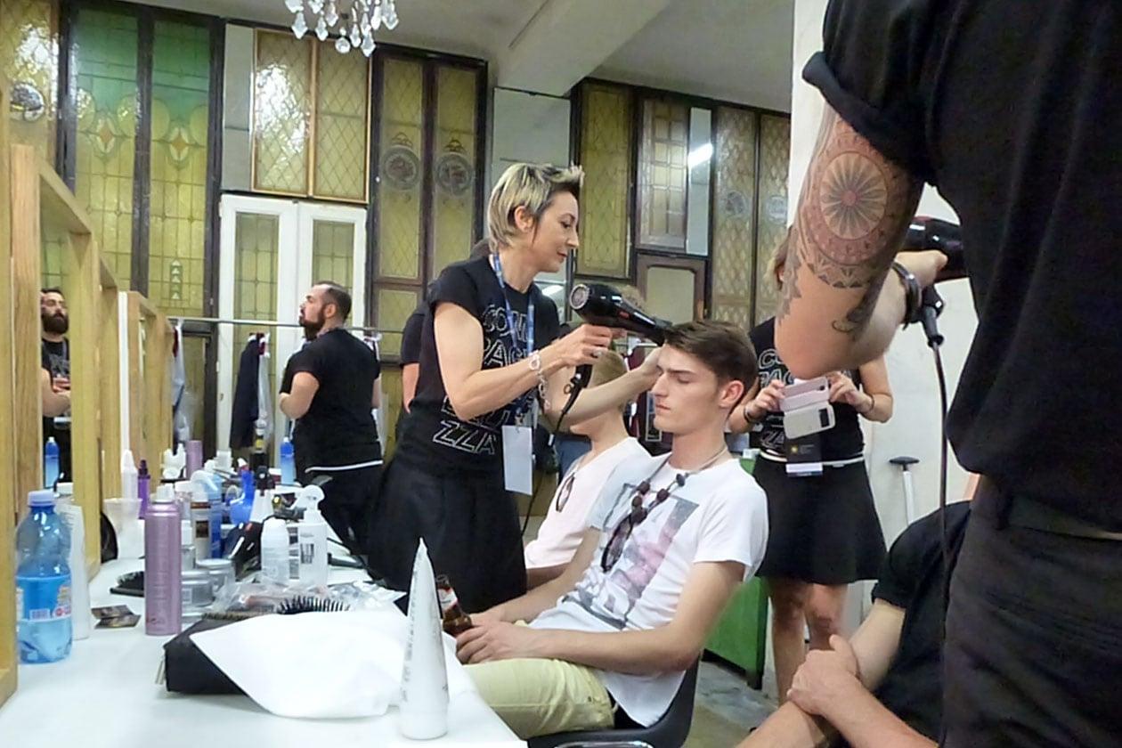 L'hair styling è stato curato da Nadia Ceccarelli per Compagnia della Bellezza