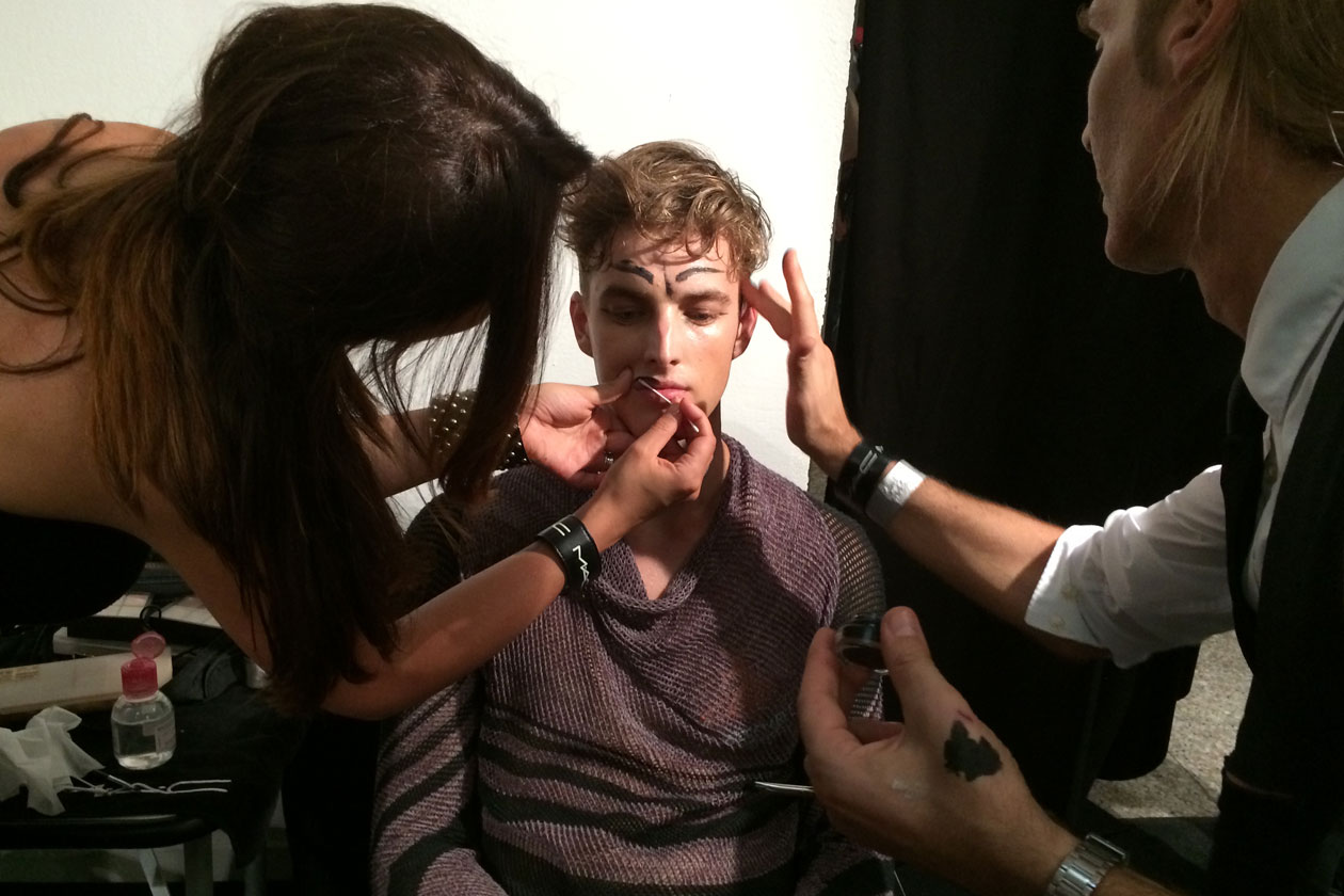 Labbra al naturale. Nella foto: il make up artist Michele Magnani (MAC Cosmetics)