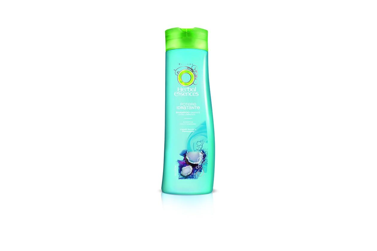 A garantire la massima idratazione ci pensa lo Shampoo Idratante Extra Luminosità di Herbal Essences