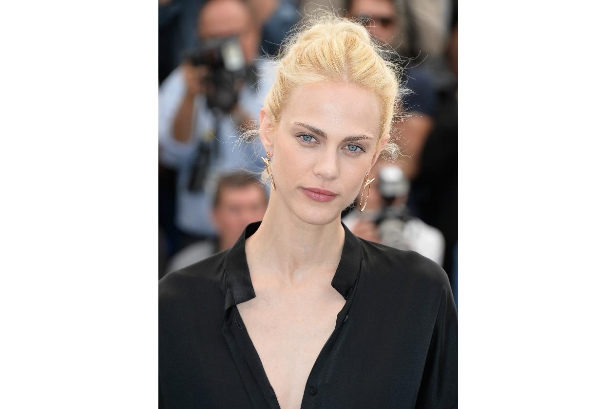 Aymeline Valade capelli: la vie en blond!