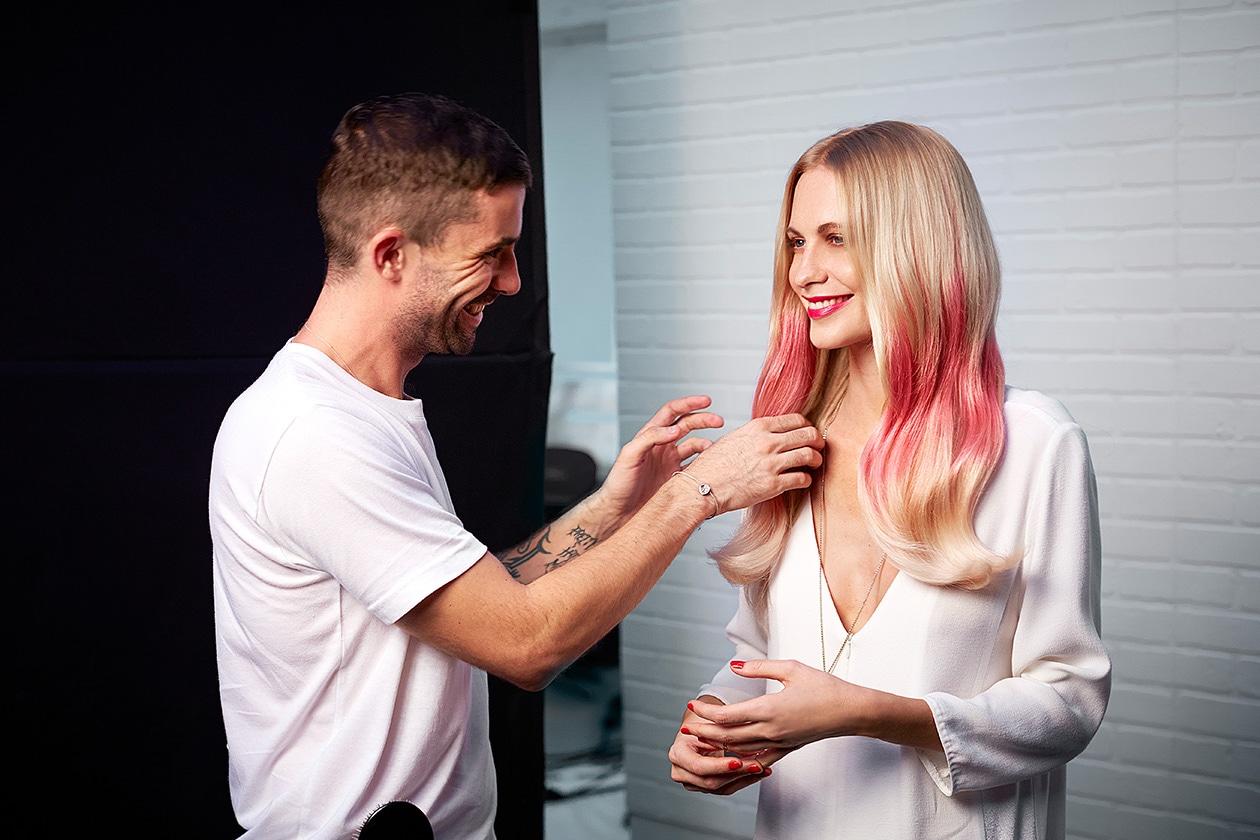 Beauty Hairstyle Splashlight – Pink Splashlight by L'Oréal Professionnel, Poppy Delevingne