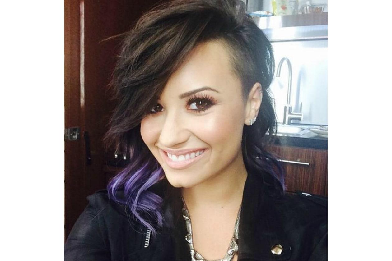 Demi Lovato capelli: ci dà un taglio ma non rinuncia al lilla