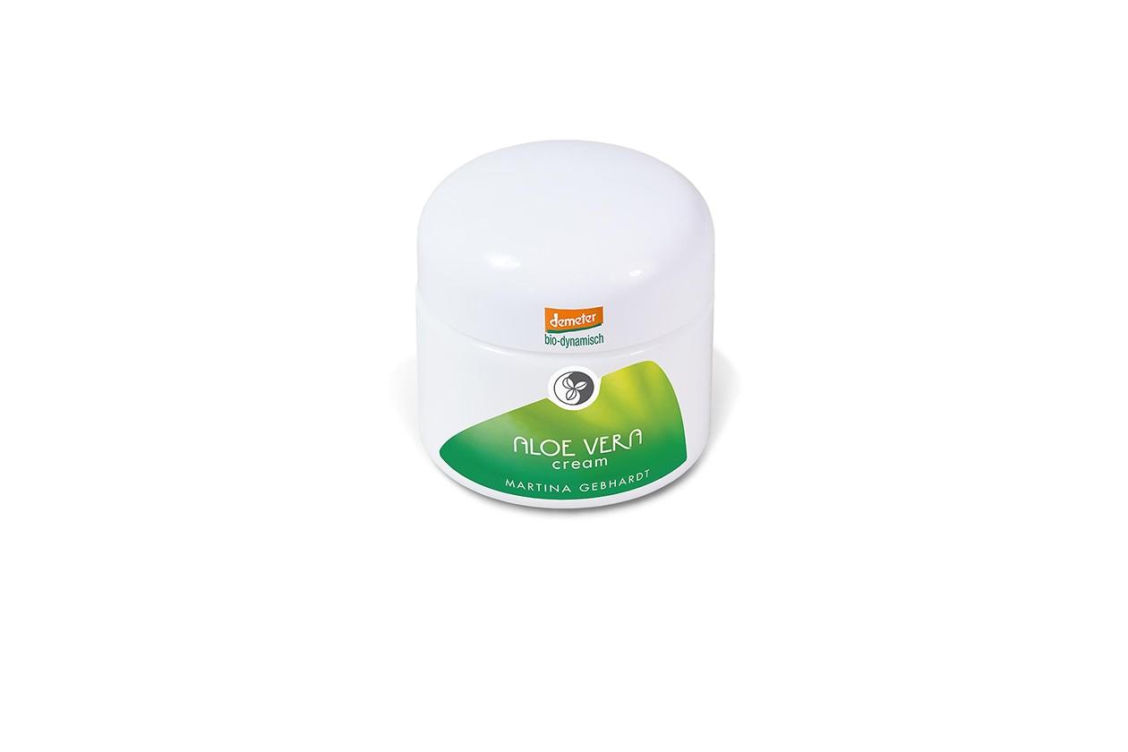 Ha anche un effetto levigante la Crema Martina Gebhardt Aloe Vera, specifica per pelli problematiche e facilmente irritabili