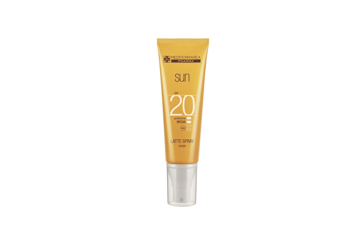 Il Latte Spray Corpo di Mediterranea SPF 20 garantisce una protezione UV ad ampio spettro