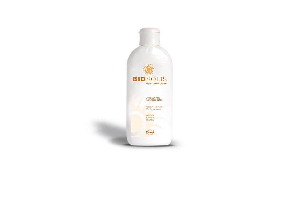Il Latte doposole Biosolis unisce le proprietà idratanti dell'Aloe Vera biologica con le proprietà rigeneranti della calendula e dell'olio di girasole