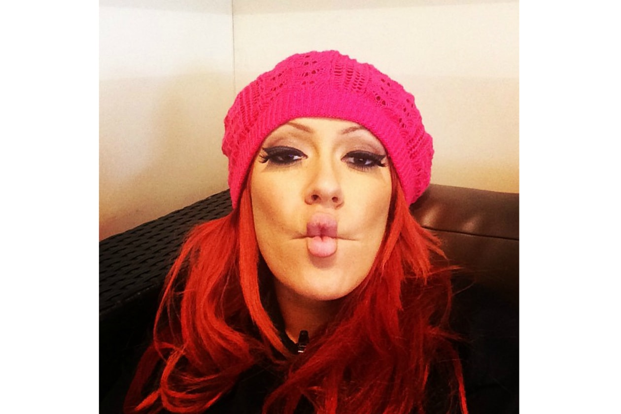 Kaya Jones capelli: red hair and funny faces