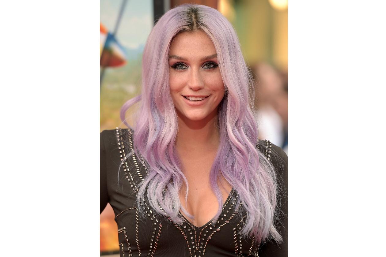 Kesha capelli: il nuovo hairlook è color lavanda