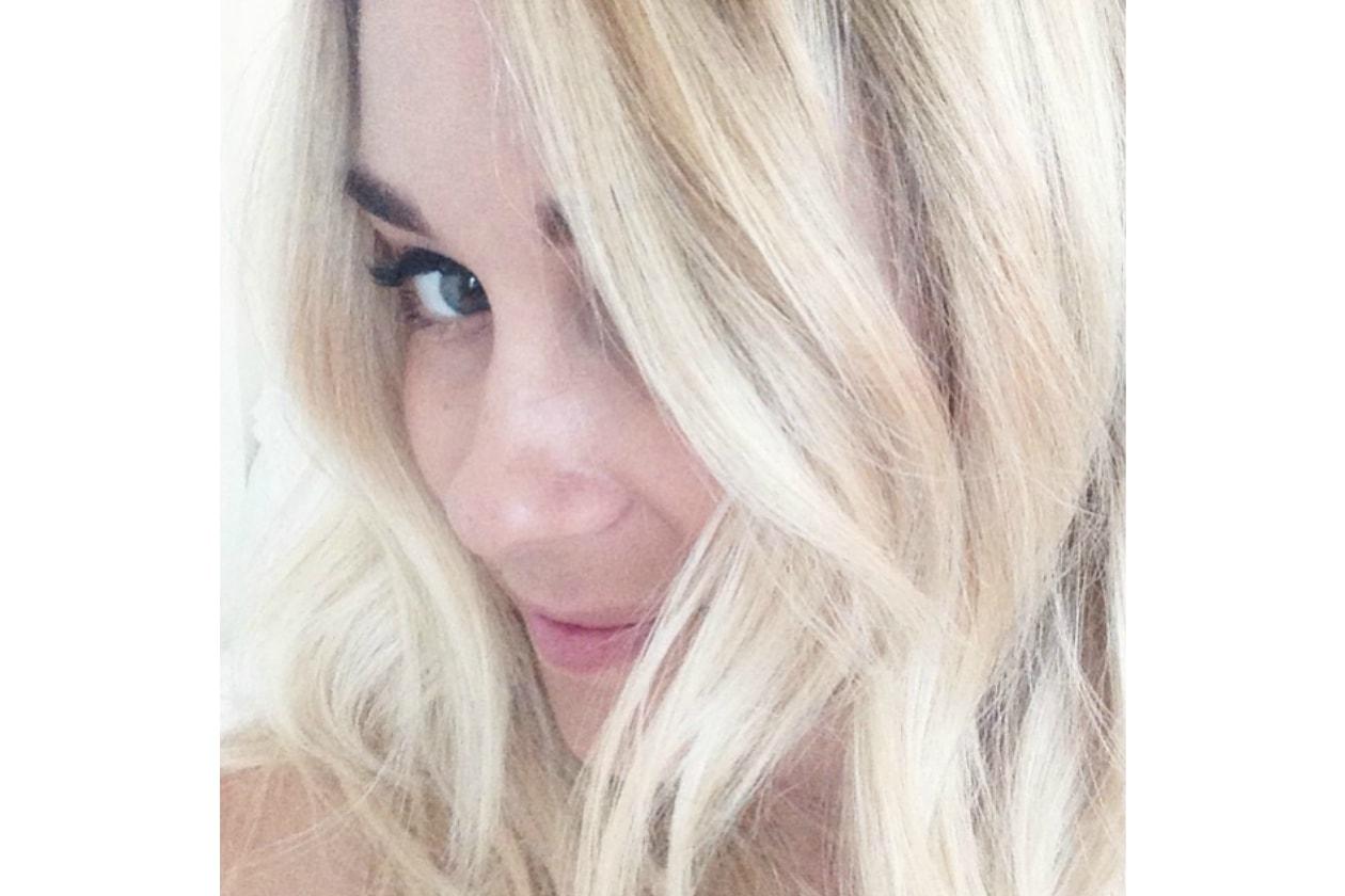 Lauren Conrad: capelli biondo platino e messy hair, accoppiata vincente