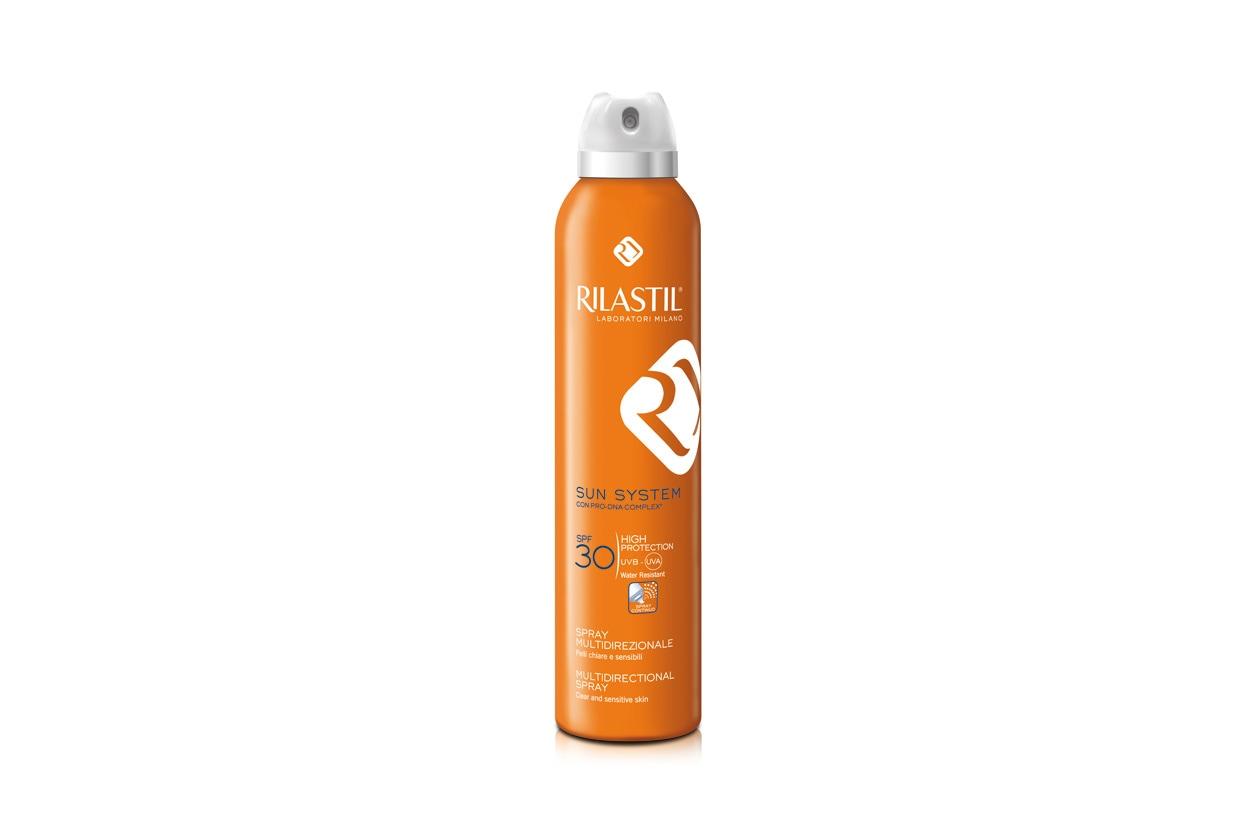Lo Spray Multi direzionale SPF 30 si distribuisce uniformemente in tutte le zone del corpo, velocizzando l'applicazione