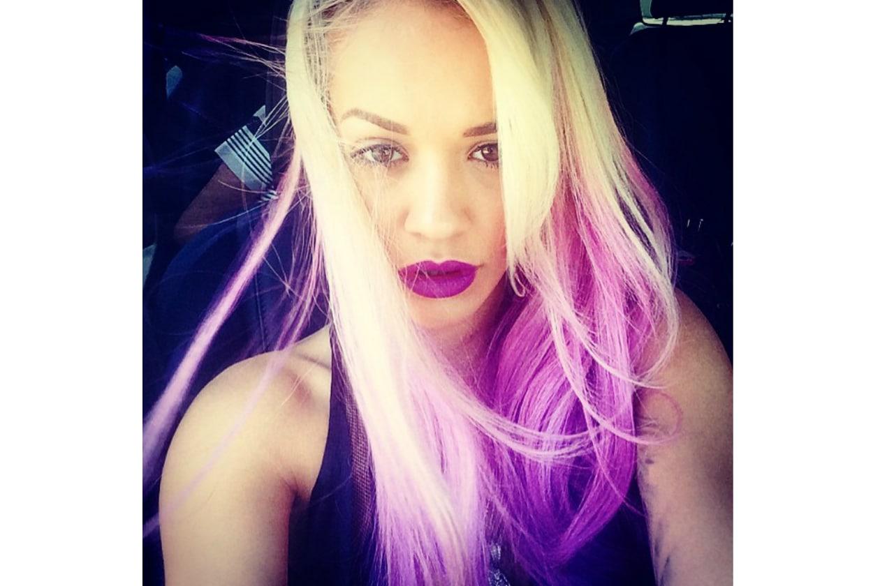Rita Ora capelli: purple passion