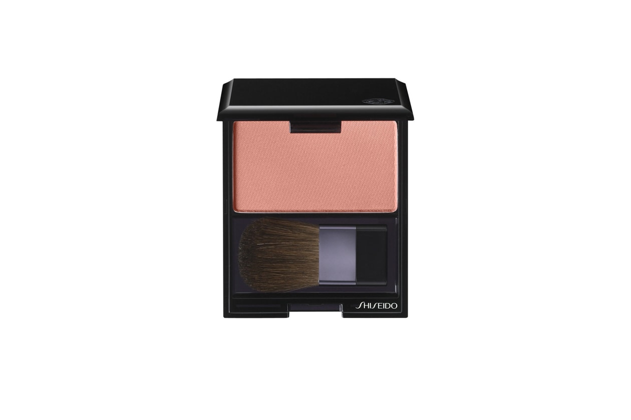 Shiseido Fard Luminizing Satin Face Color petal
