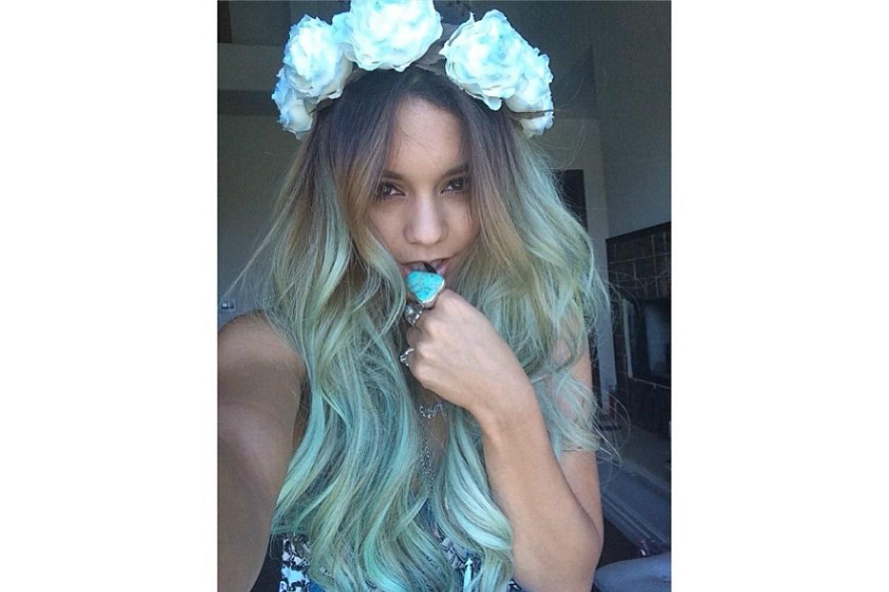 Vanessa Hudgens: capelli lunghissimi e mood hippy