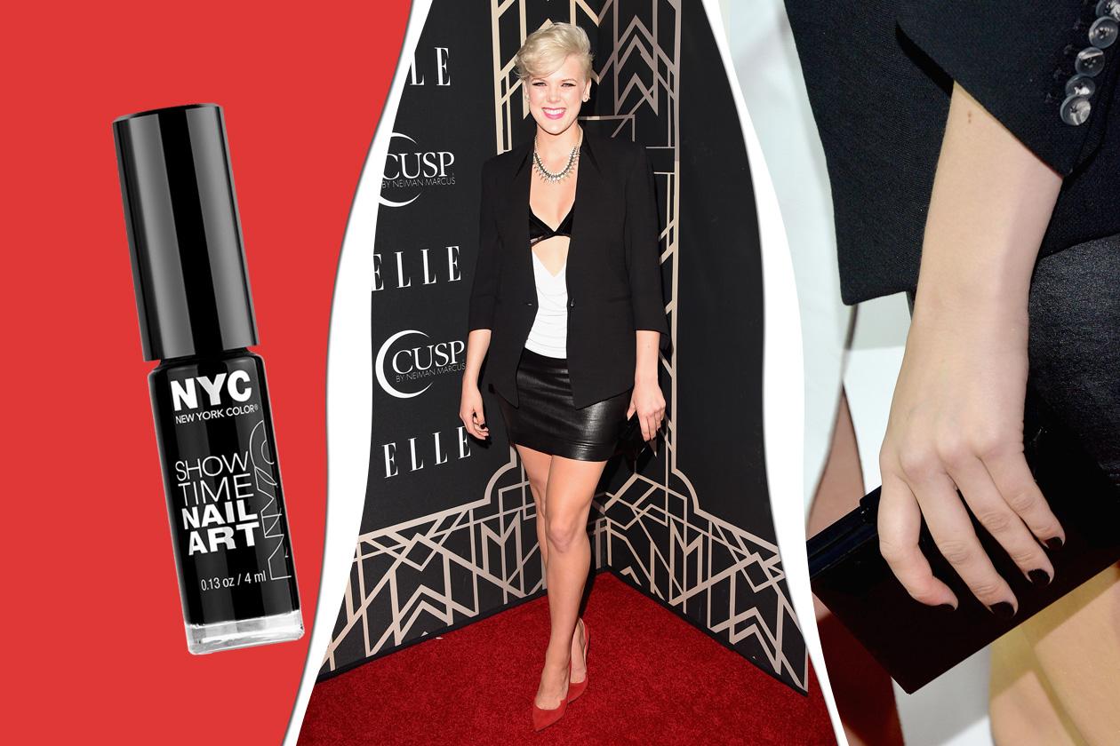 BLACK: lo smalto nero è ormai sdoganato anche sui red carpet. Brava Betty Who! (New York Color)