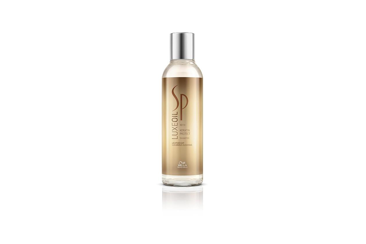 Pulizia e nutrimento assicurati con il Keratin Protection Shampoo della gamma Luxe Oil di System Professional, a base di cheratina, olio di mandorla e olio di argan
