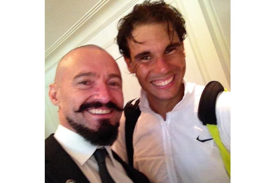 L'australiano Hugh Jackman non ha resistito al fascino di Wimbledon e dei suoi campioni, andando dritto negli spogliatoi per conoscere Rafa Nadal