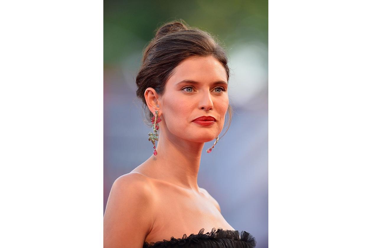 Bianca Balti: labbra in primo piano