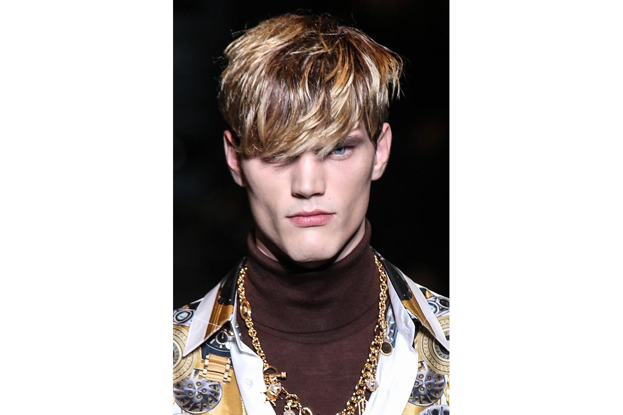 La frangia proposta da Versace