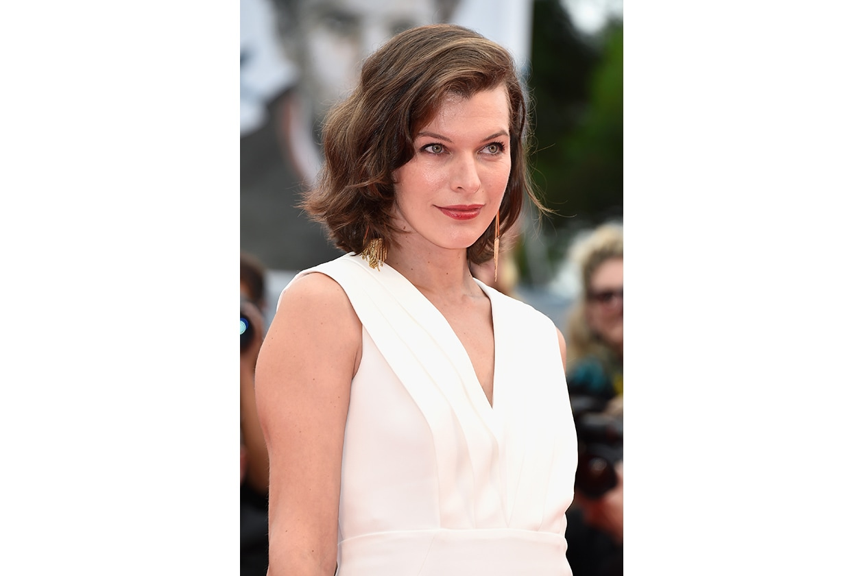 Milla Jovovich: il bob con ciuffo laterale