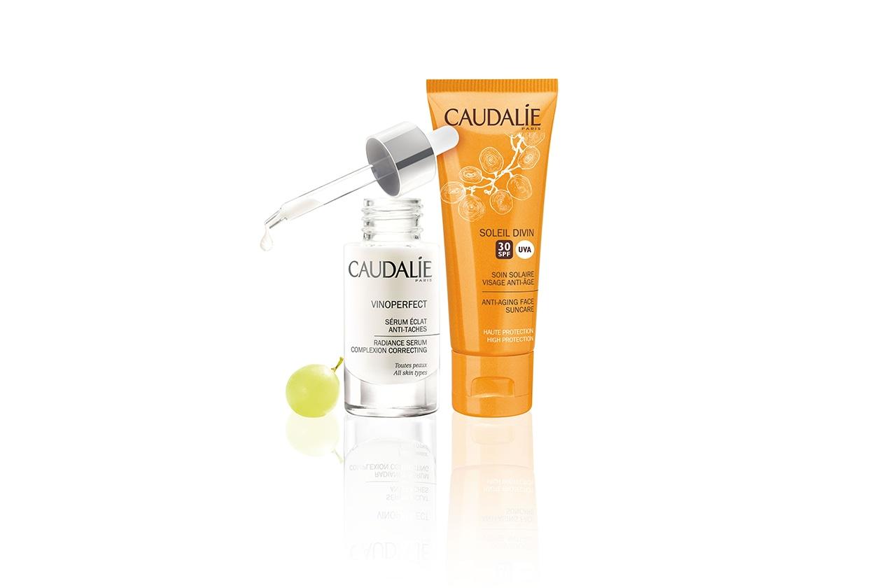 OPACIZZANTI: Caudalie Soleil Divin Anti-Age Face Suncare SPF 30 regala alla pelle una finitura matt trasparente. Da usare con il Caudalie Serum Eclat Anti-Taches