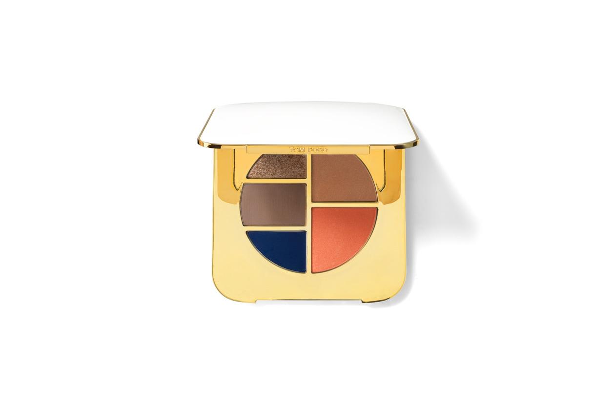 Tom Ford Beauty aggiunge un tocco di profondo blu con la Eye and Cheek Compact Unabashed White
