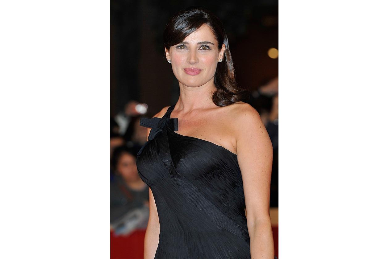 1 Beauty Luisa Ranieri 130628296 10