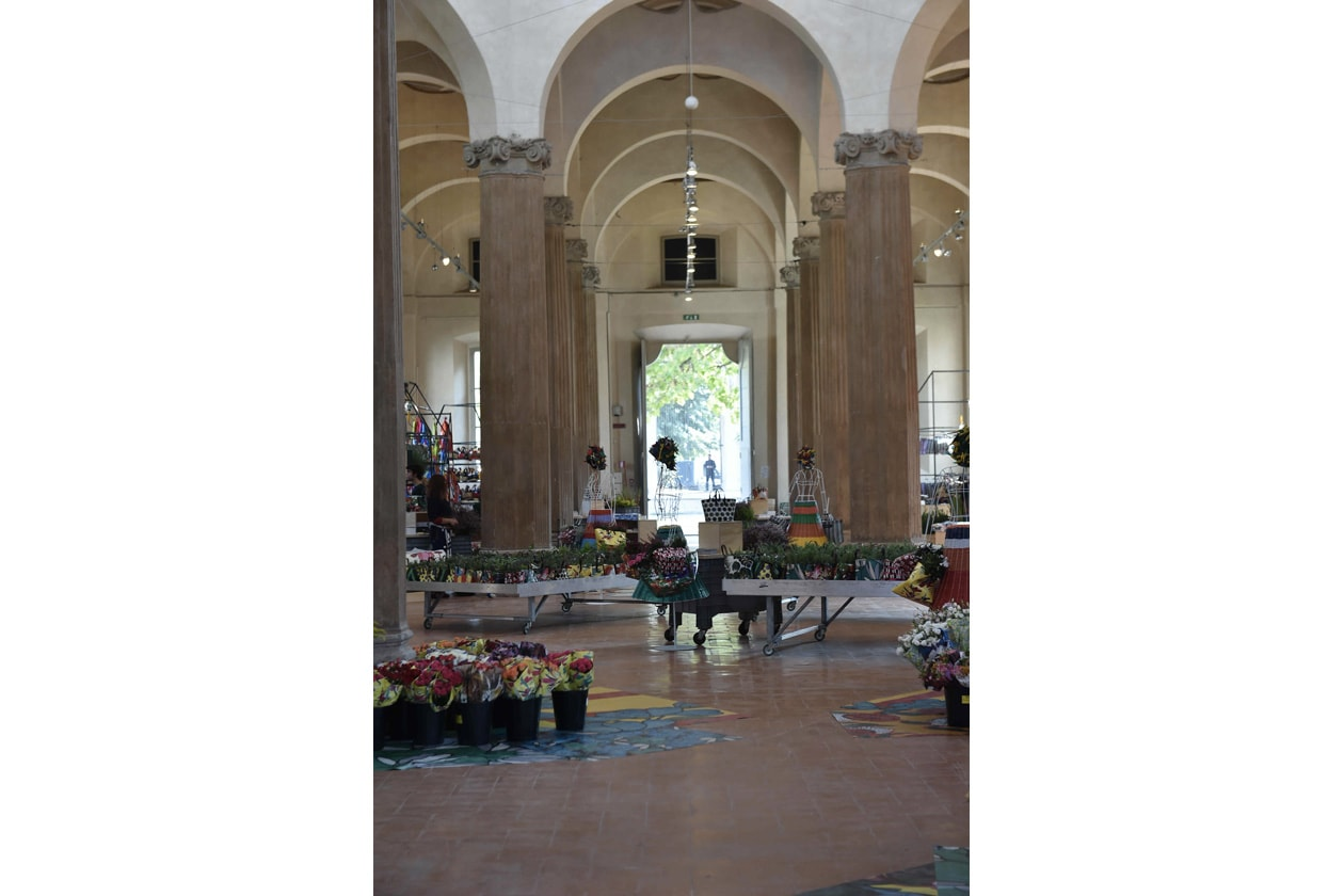 07 ñ MARNI FLOWER MARKET Installation Milan September 21