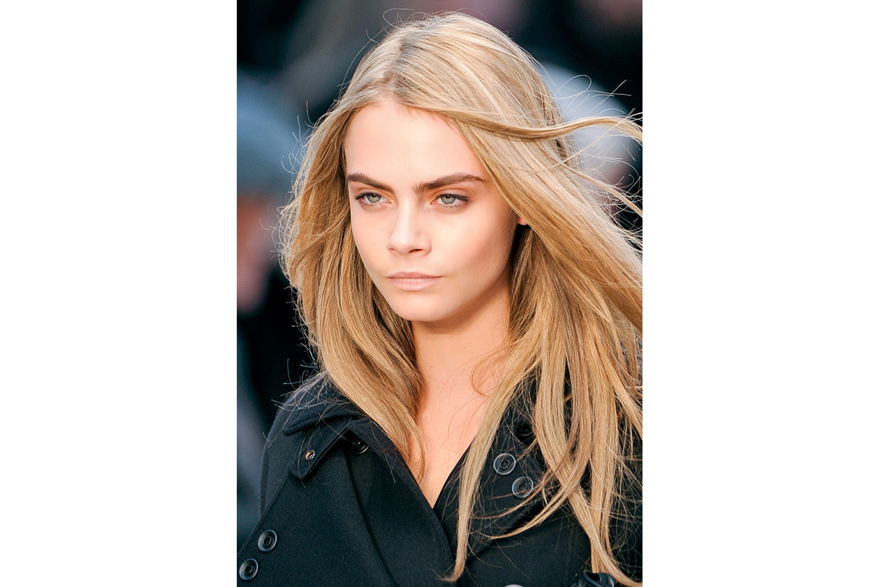 BEAUTY Cara Delevingne Capelli Burberry P bty W F13 L 004