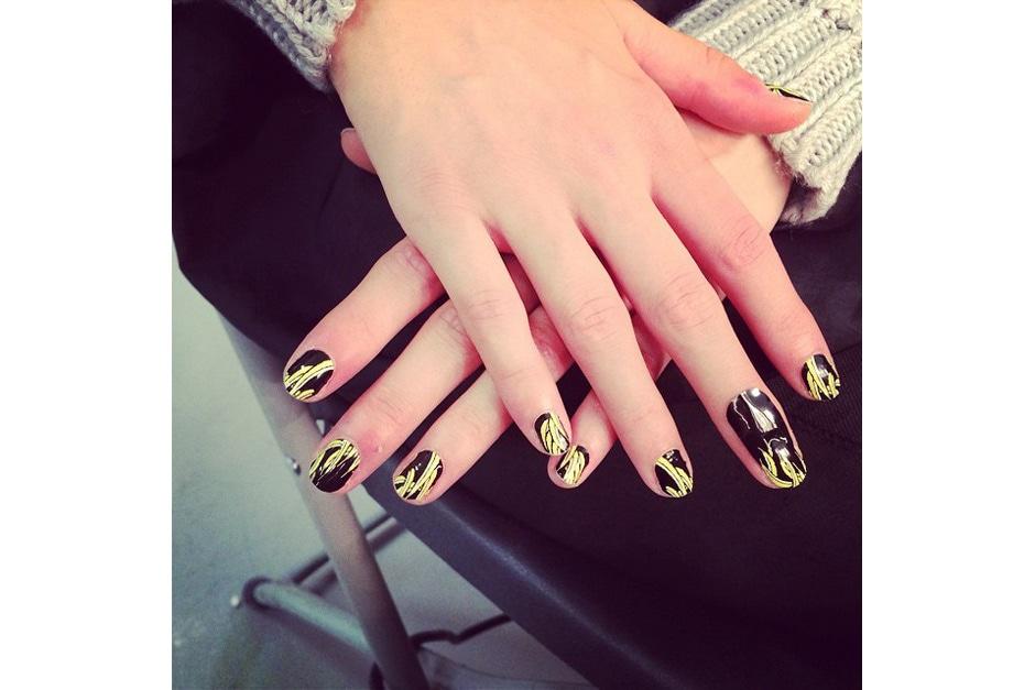 Bananas nail art