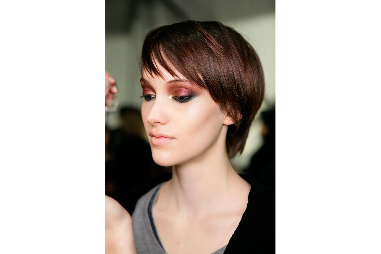 Beauty sfumature rosso make up occhi AI Bibhu Mohapatra bbt W F14 N 001