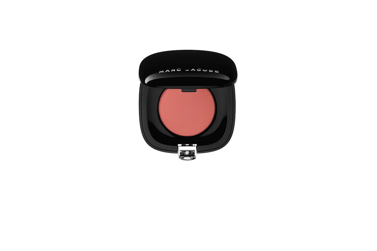 Colore deciso anche per Marc Jacobs Beauty Shameless Bold Blush in 204 Obsessed Pink