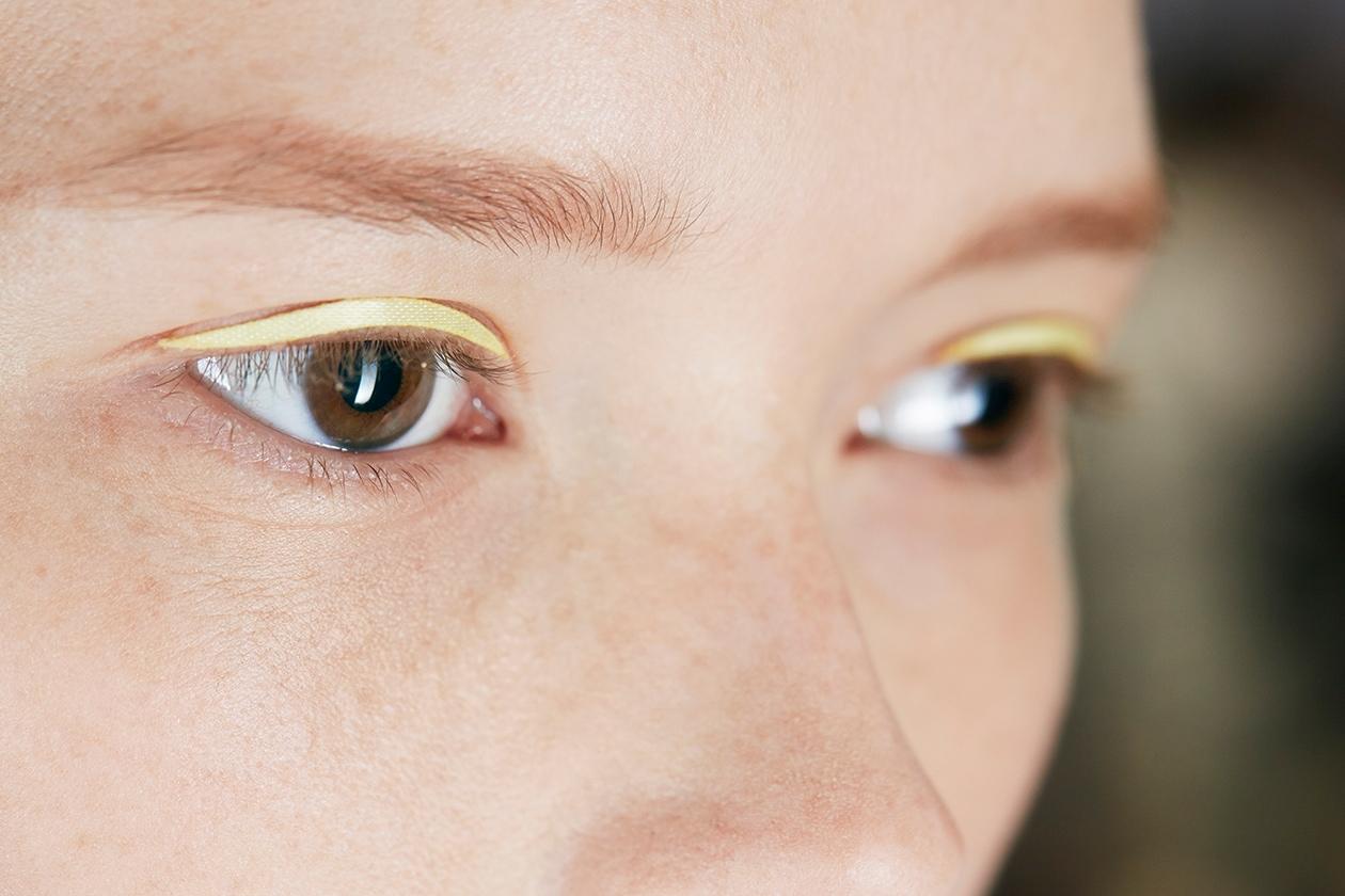Dior Prêt-à-porter Spring-Summer 2015: look materiale per l'eyeliner