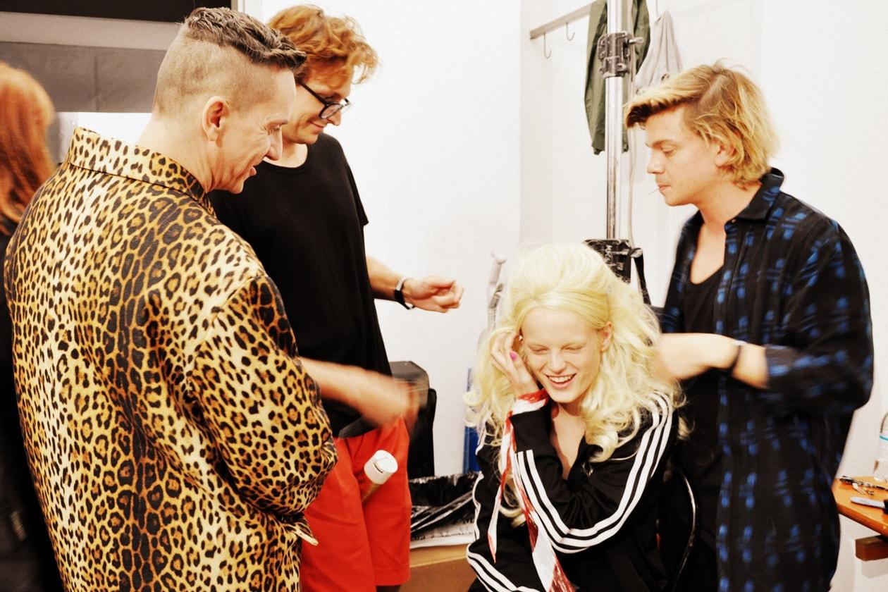 Lo stilista Jeremy Scott con la modella Hanne Gaby Odiele