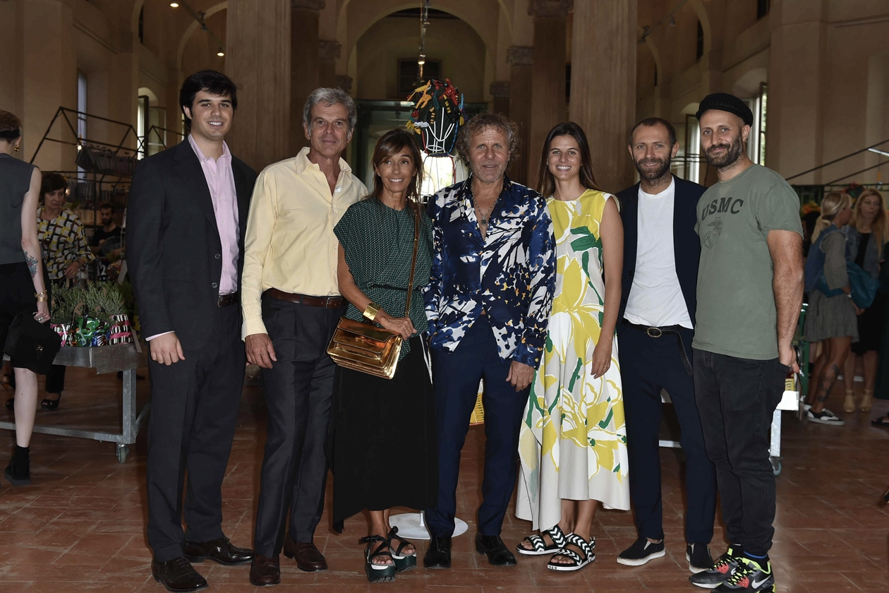MARNI FLOWER MARKET Giovanni, Gianni and Consuelo Castiglioni, Renzo Rosso, Carolina Castiglioni, Stefano and Andrea Rosso (3)