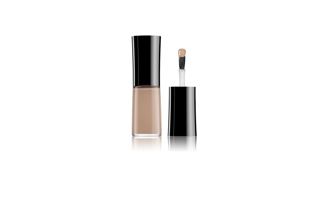 Nail Lacquer 102 Second Skin di Giorgio Armani Beauty è facile da applicare