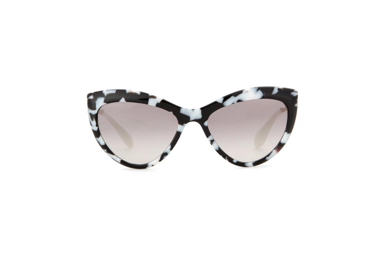 Occhi di gatto con gli occhiali da sole di Miu Miu