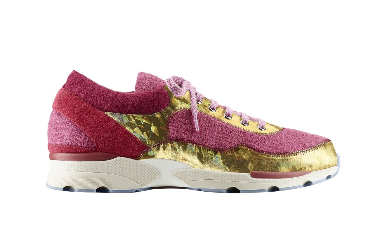 Pink tweed, suede, PVC and rubber sneaker Basket rose en tweed, daim, PVC et caoutchouc