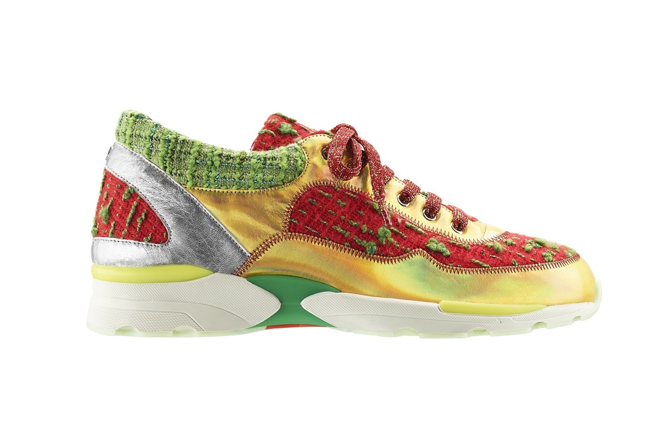 Red and green tweed, leather and rubber sneaker Basket en tweed rouge et vert, cuir et caoutchouc