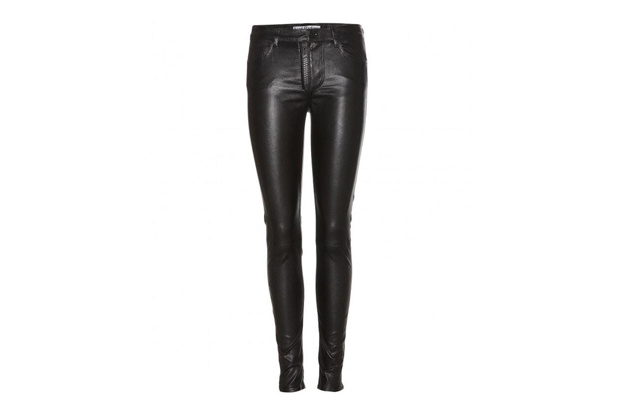 Scegliete dei pantaloni skin in pelle come quelli di Acne Studios