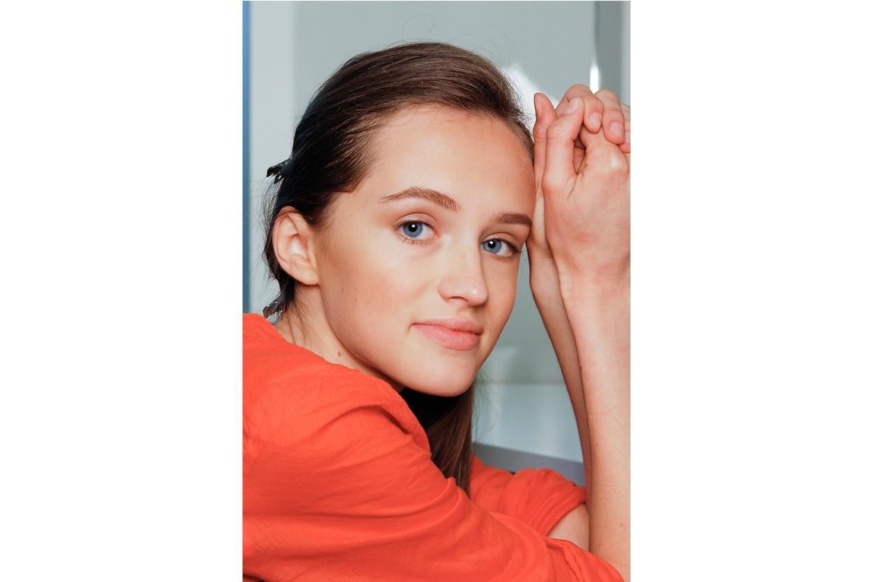 Se il vostro viso è lungo, applicate il blush al centro delle guance (Andrea Pompilio)