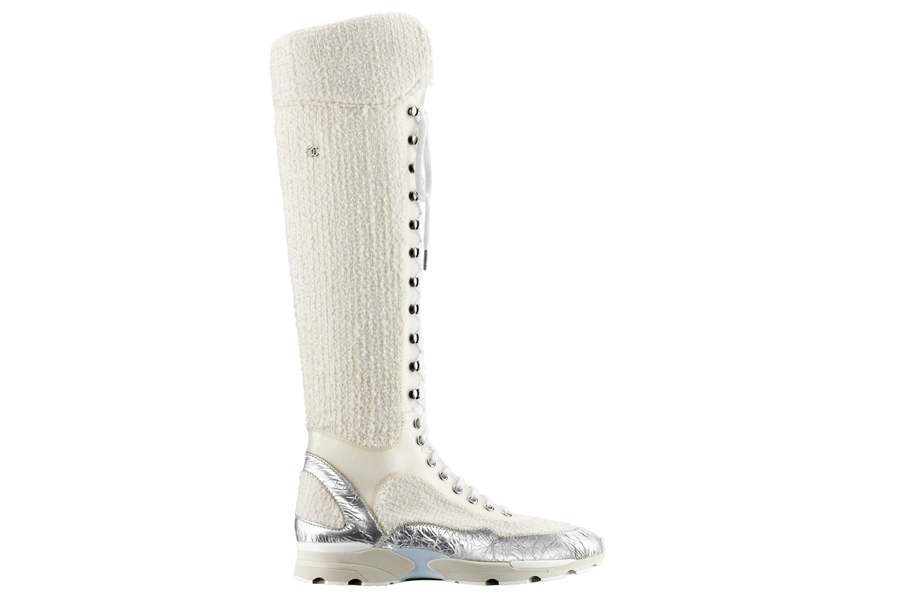 White tweed, leather and rubber sneaker Basket blanche en tweed, cuir et caoutchouc