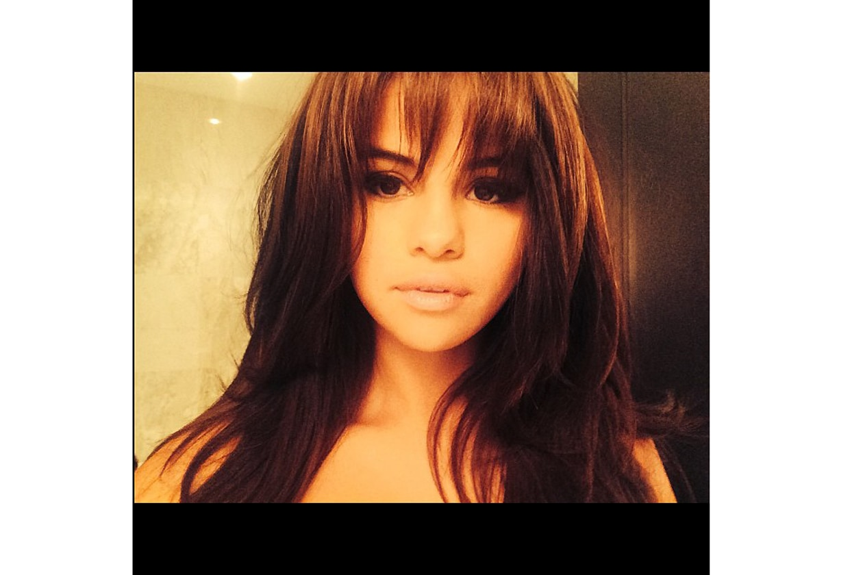 selena gomez, beauty look, capelli, frangia