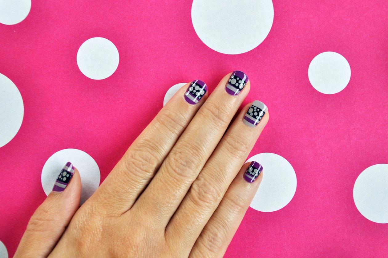 04 60s Dots Nail Art