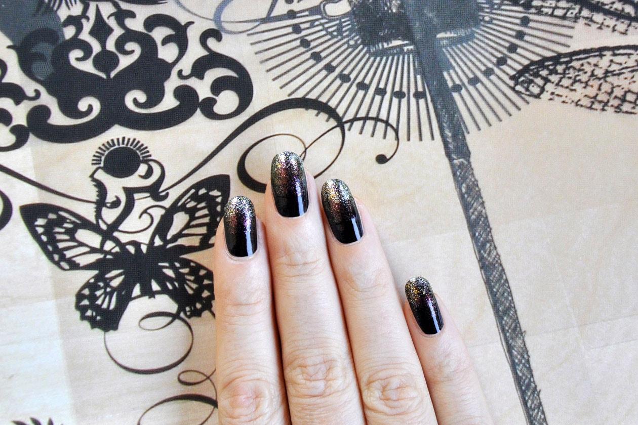 09 Over Glitter Nail Art