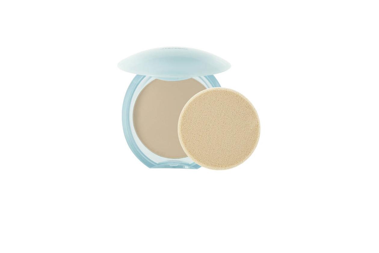 8 Beauty Lily James Make Up shiseido pureness