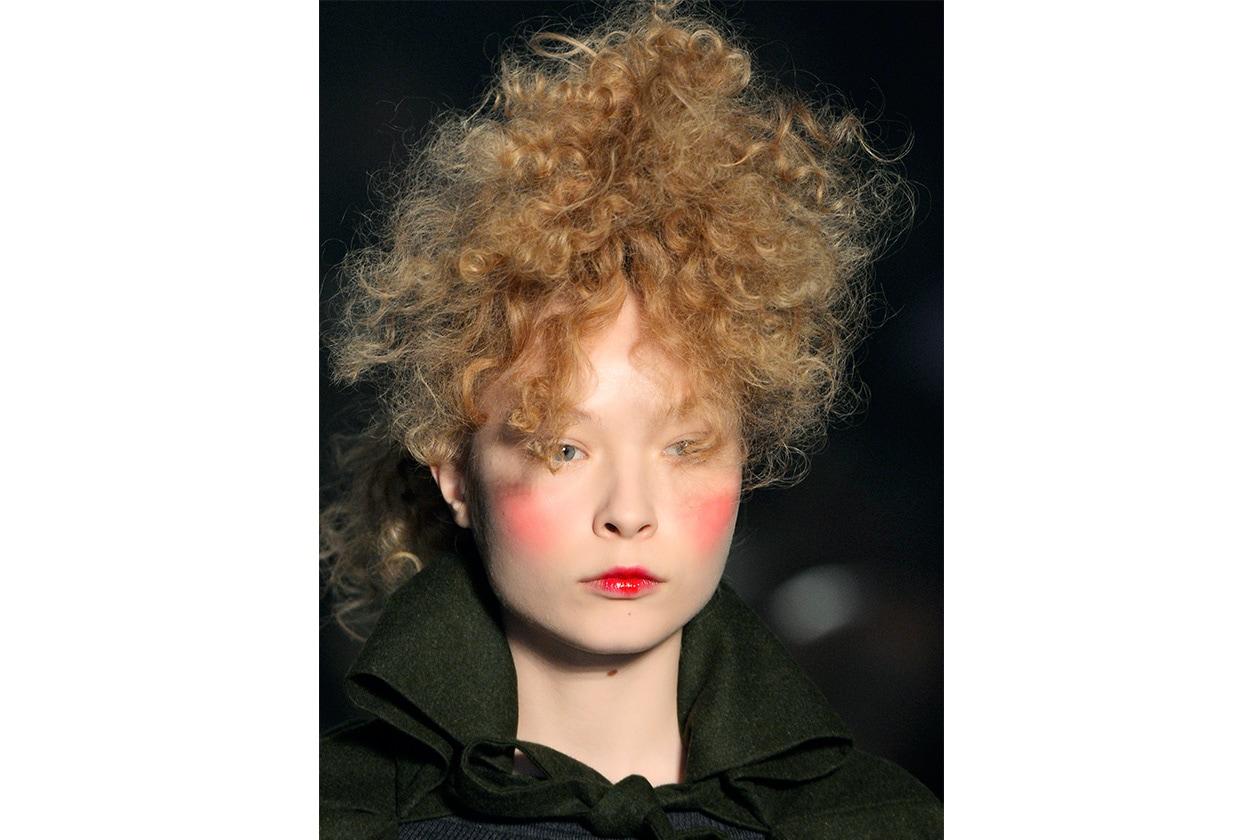 Beauty Capelli Ricci da Sfilate e Prodotti Viviene Westwood bty W F14 P 005