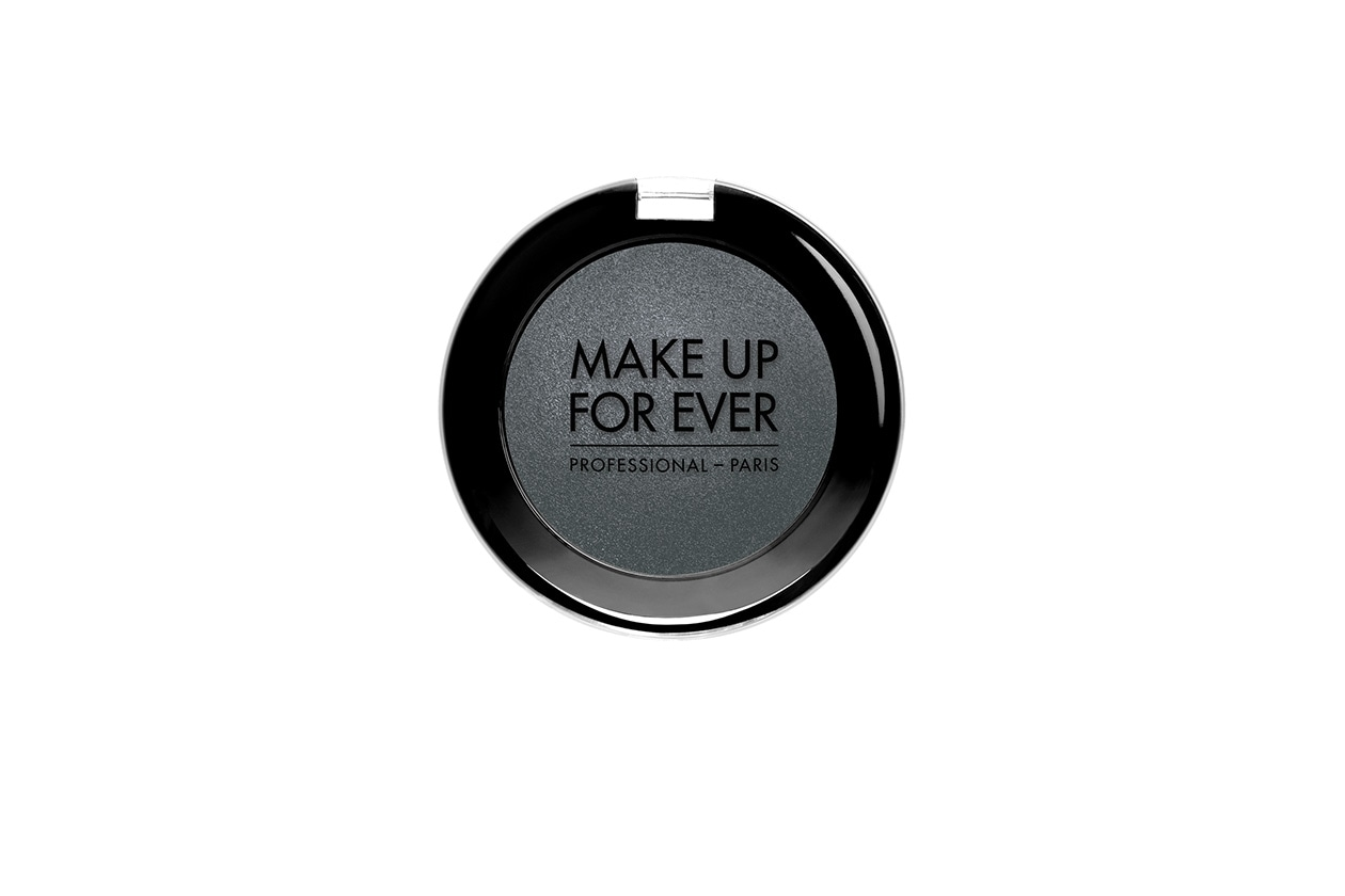 Beauty kaya scodelario beauty look Make Up Forever Artist Shadow Mono 108 ACIER