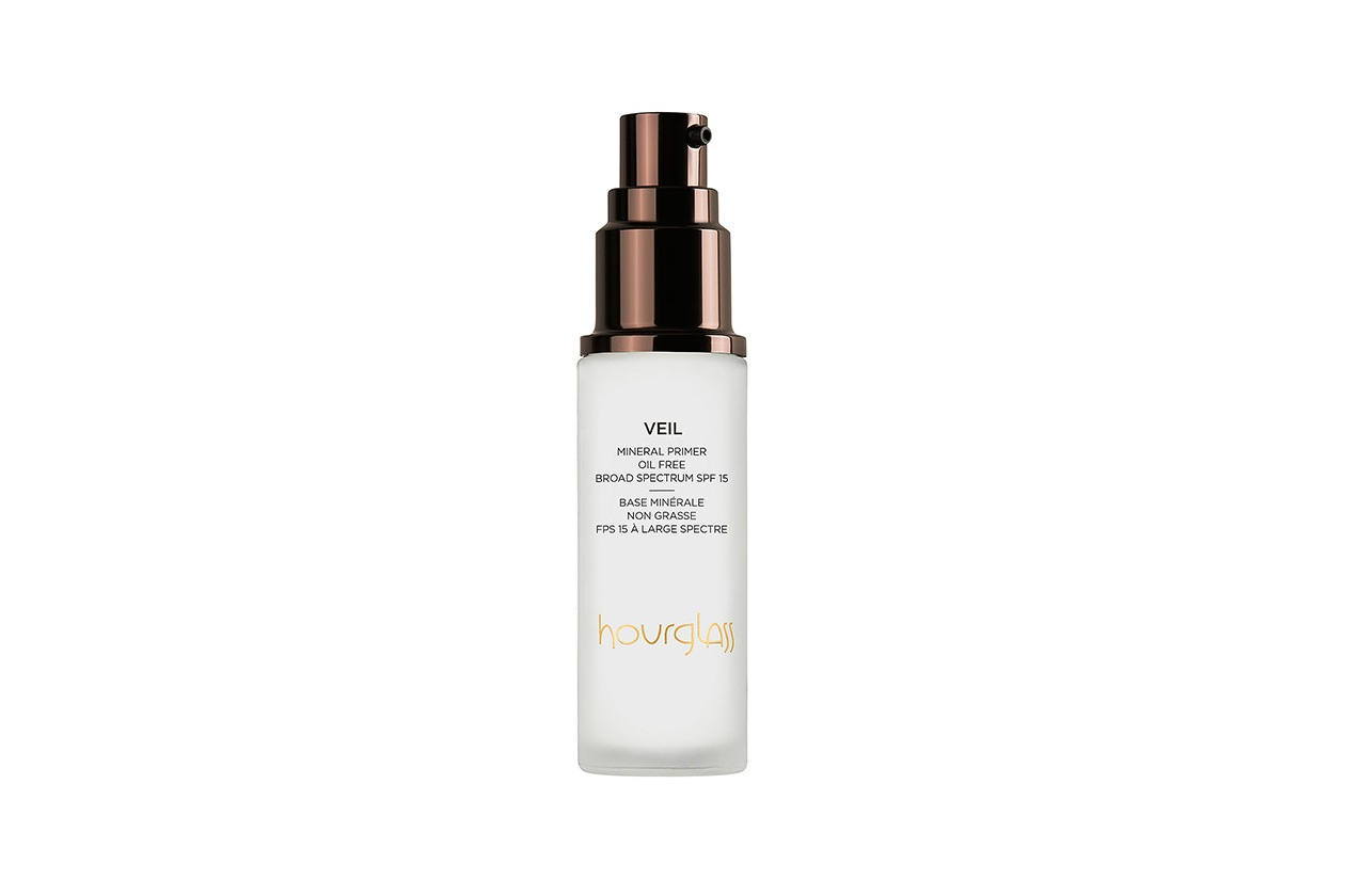 Charlotte Casiraghi beauty look: Hourglass Veil Mineral Primer
