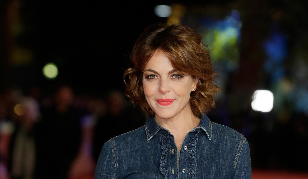 Claudia Gerini: coral lips